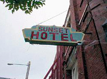 image of Sunset Hotel sign