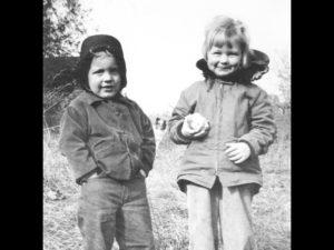 Timmy-2 and Suzie-Abbott-3-with-apple, Belmont, MA, 1950